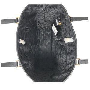 Michael Kors Bags - Michael Kors Jet Set Travel Medium Leather Bag
